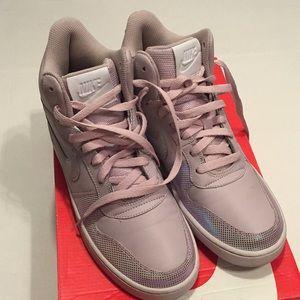 Nike Womens Nike Court Borough MID SE 8.5